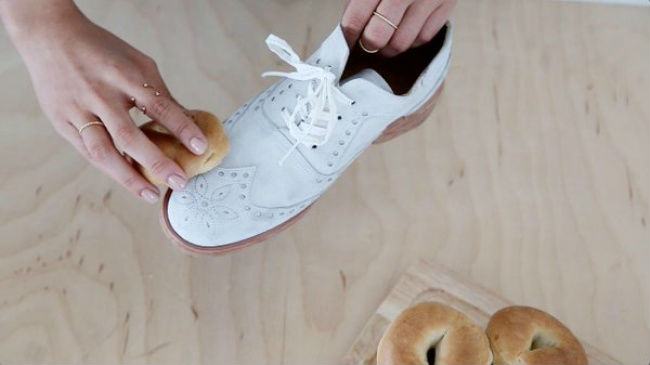 10201615-clean-suede-with-stale-bread-650-1466083249