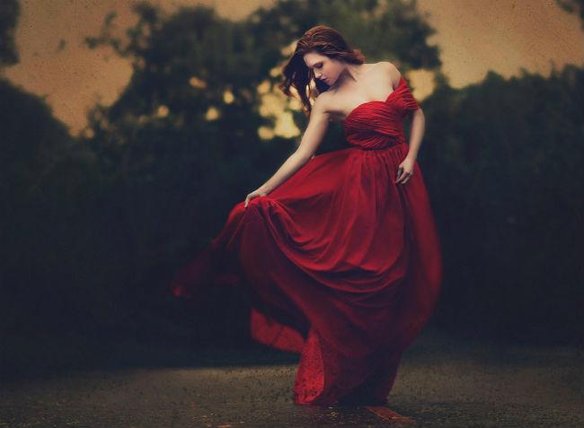 girl-in-beautiful-red-dress-1920x1408
