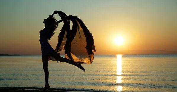 flickr-beach-dance-arman_zhenikeyev