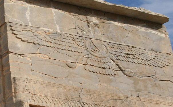 letayushhij-bog-egipet-um-1