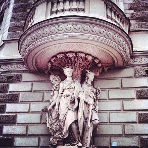 17-dokazatelstv-togo-chto-russkie-balkony-vsem-balkonam-balkony_009
