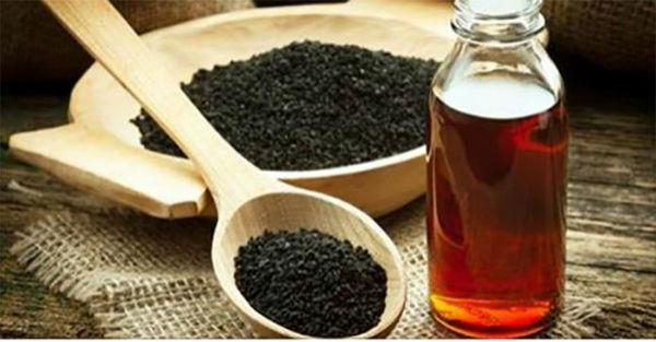 Black-Cumin-Oil-Black-Cumin-Seed-Oil-696x363