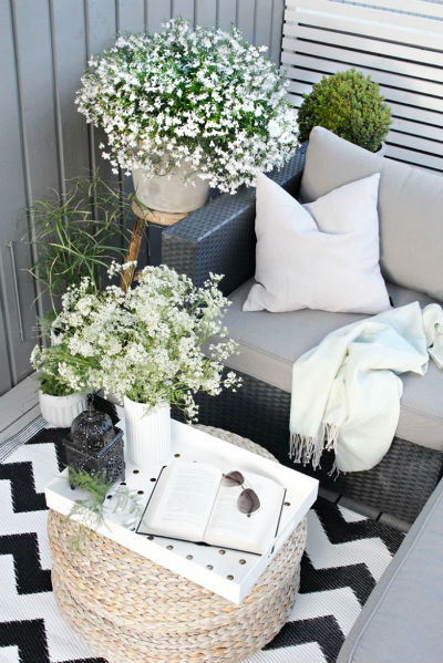 post__i_ekli-siyah-beyaz-k___k-balkon-dekorasyon