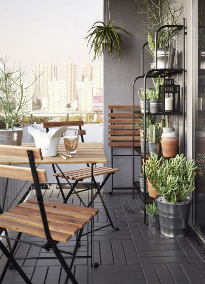 post_gray-stain-wall-varnished-wood-balcony-outdoor-table-black-stain-metal-planter-racks-brown-clay-plant-pot-white-stain-ceiling-plant-pot-small-balcony-furniture-patio-small-balcony-furniture-936x1