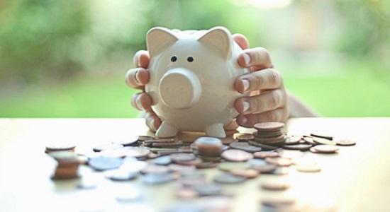 55003d1c57733-piggy-bank-money-hands-orig-master-1