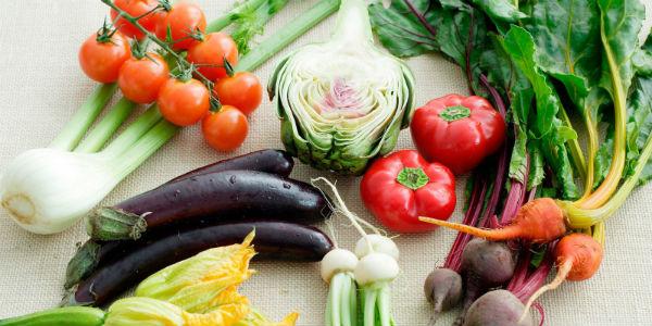 5508f2aa2acbe-1ghk-vegetarian-lessons-rainbow-produce-s2