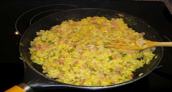 После маминого завтрака детей не удалось спасти. Но почти все делают это во время готовки!