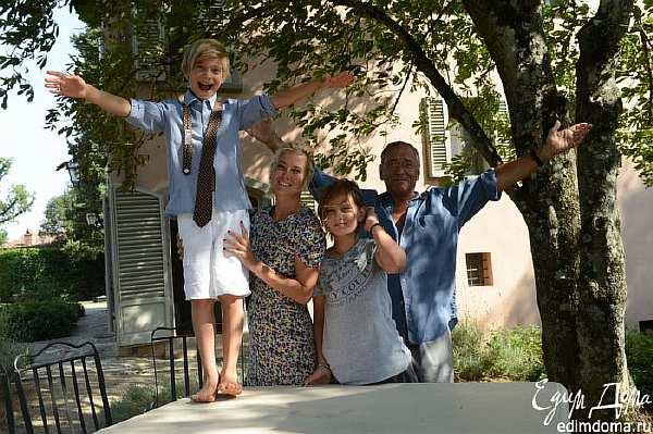 Хорошая новость о дочери Юлии Высоцкой