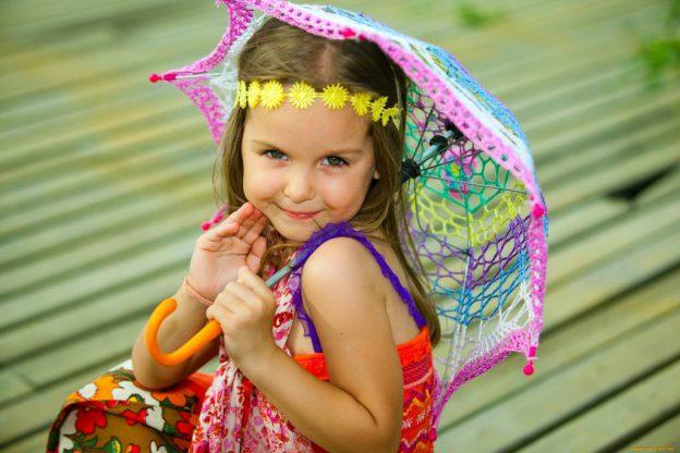 Маленькие модницы очень любят стильные вещицы