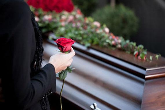 Если умер близкий человек, то будьте бережны к себе