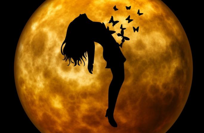 Сделайте сильный ритуал на убывающую луну от безденежья!